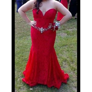 Dresses & Skirts - Beautiful Red Lace Mermaid Prom dress!!